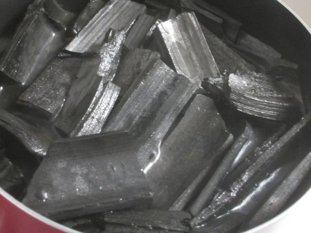 IMG 0115 - 南九州産な竹炭をお部屋の空気浄化用に2kgほど買ってみた