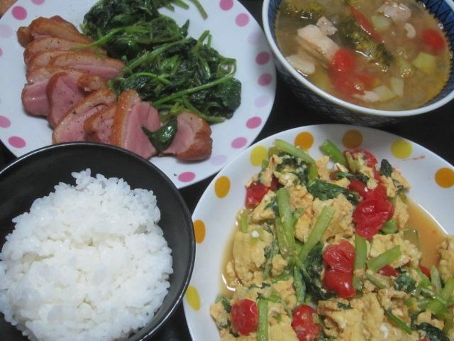 IMG 0136 - 鴨ロース肉とほうれん草炒めにベーコントマトスープ