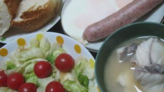 IMG 0171 320x180 - アンコウの正肉な味噌汁とパン食について