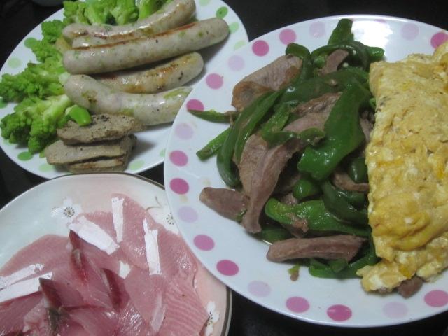 IMG 0283 - 豚ハツとピーマンの炒め物に豚ソーセージに豚レバー