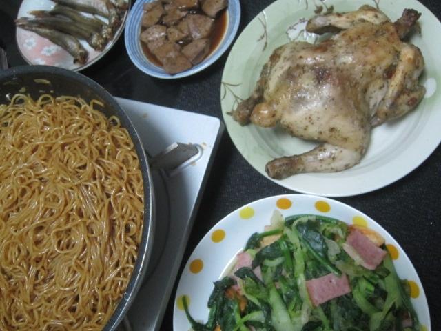 IMG 0417 - 丸鶏の姿焼き焼きそばとカワハギのお刺身肝醤油にて