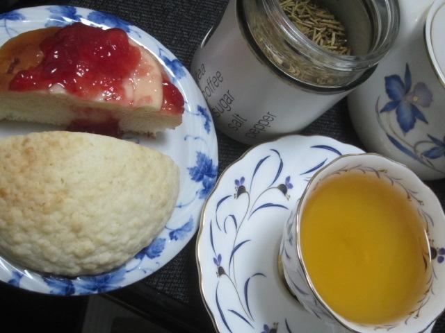 IMG 0422 - 茎ほうじ茶をようやく入手出来たので茶菓子と共にご紹介