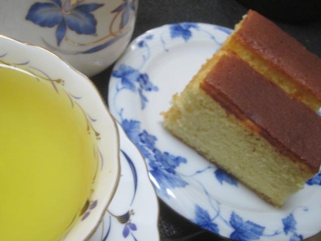 IMG 0525 - 美唄産米粉カステラ豊穣と北海道チーズケーキ赤いサイロ食べてみた感想