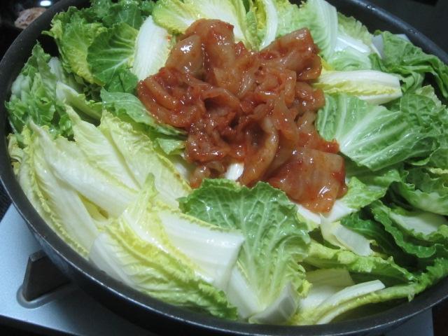 IMG 0598 - 去年の漬物を白菜しゃぶしゃぶで全部消費できました / カマンベールピザ