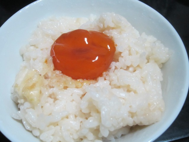 IMG 0023 640x480 - 最近流行りらしい卵黄の醤油漬け作って食べてみた