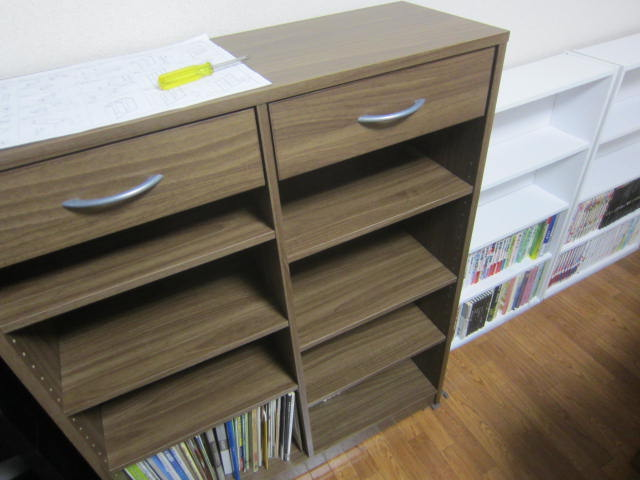 IMG 0013 - 引き出し付き木製ラックのビブリオ(448冊収納)とゆー本棚を購入して設置
