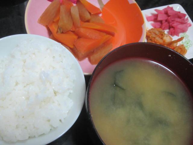 IMG 0003 - 北海道産の白菜が出回ってきたのでキムチ作りの季節ですね