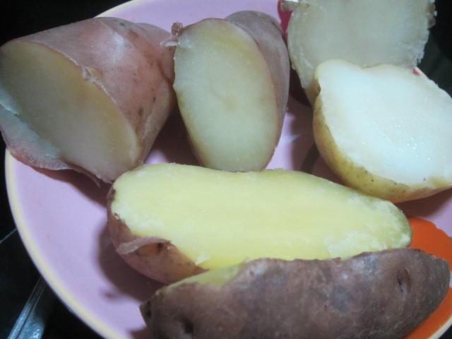IMG 0008 - デストロイヤーとレッドムーンとキタアカリの食べ比べ(全部ジャガイモです)