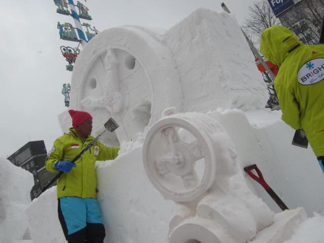 IMG 0028 - さっぽろ雪祭り2018後編 / 雪ミク像とか雪の結晶とかテレビ父さんとか
