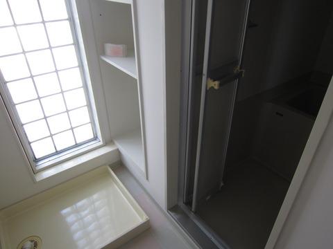 02211564 s - 札幌中心部への引越/生活費の変化02 ~旧宅と新居の内装比較~