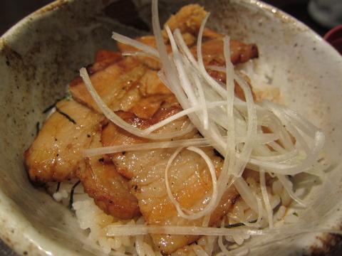 05b9b1b3 s - HUGマート「阿寒の豚丼」でバラ肉な豚丼美味しかった