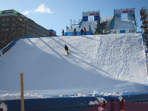 142b7d0a s - 2013年 さっぽろ雪祭りPart1 ~初日の天気気温、他大雪像紹介~
