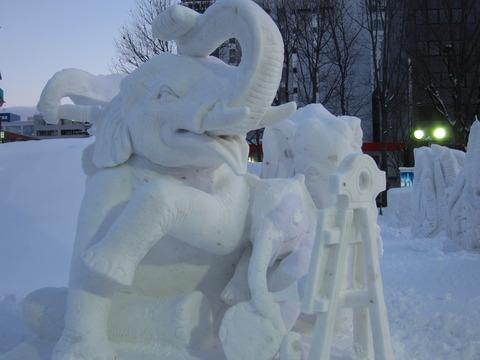2c1cc850 s - 2013年 さっぽろ雪祭りPart4 ~ゆるキャラ着ぐるみ / ライトアップ~