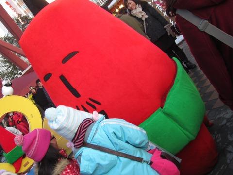 2c93bf05 s - 2013年 さっぽろ雪祭りPart4 ~ゆるキャラ着ぐるみ / ライトアップ~