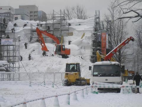 48e88e0a s - 札幌雪祭り準備+冬の時計台他