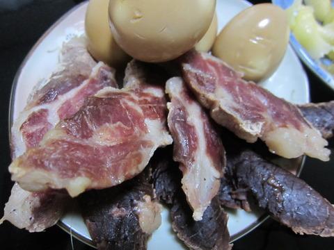 4c78ad7f s - 燻製干し肉中編 / 干して三日目くらい干し肉の状態と殻を割った卵が保存できないことを確認