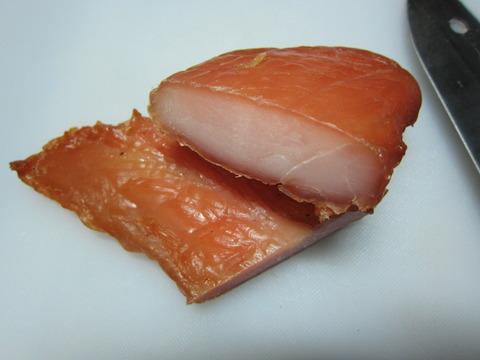 557a70b8 s - 燻製干し肉中編 / 干して三日目くらい干し肉の状態と殻を割った卵が保存できないことを確認