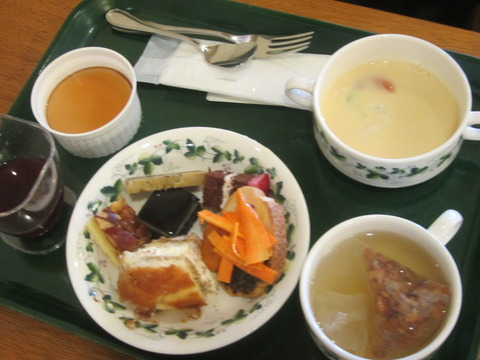 8a028c1d s - 北海道観光ゆにガーデンPart2 ~地元野菜のバイキング~