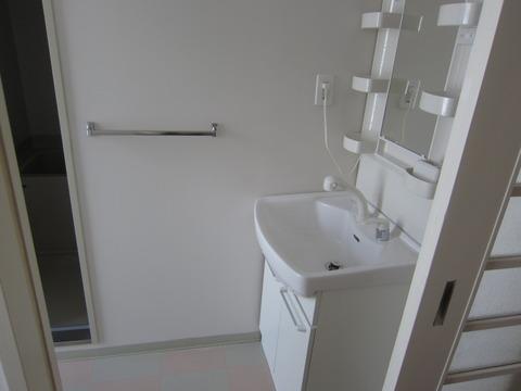 b6a62b95 s - 札幌中心部への引越/生活費の変化02 ~旧宅と新居の内装比較~
