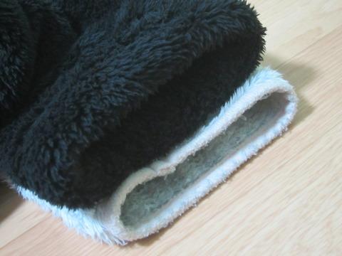 baa363b2 s - 着る毛布比較「グルーニー」と「ウォーミー」