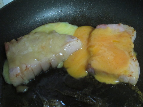 c1cccbb7 s - ハムの上にチーズ乗せて焼いてみました