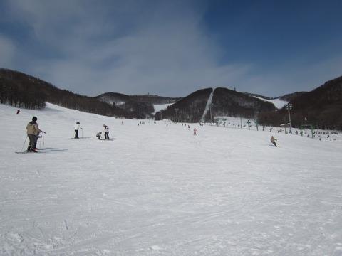 ca72abec s - 休日の藻岩山スキー場は割と混んでた