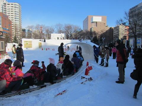 eae26bce s - 2013年 さっぽろ雪祭りPart3 ~雪像の作り方~