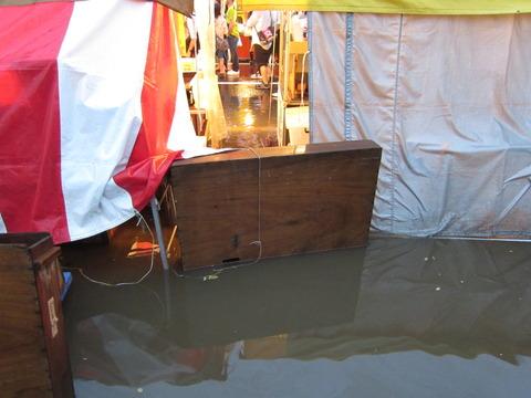 f54ef3e0 s - 札幌イベント参加 ~2012白石神社祭 / 超大雨~
